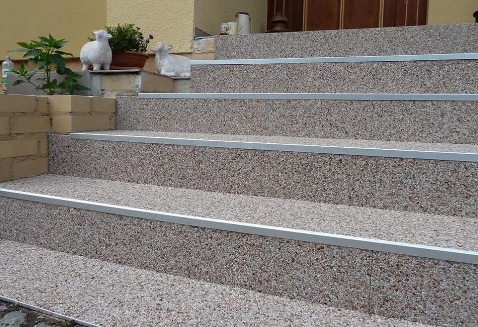 moquette-de-pierre-escalier